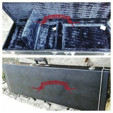 Hardcase Gitar Model Kotak Merek Click